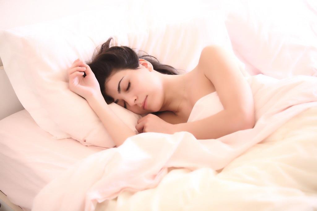 Gesunder Schlaf ist wichtig. Bei Schlafstörungen leidet der Körper