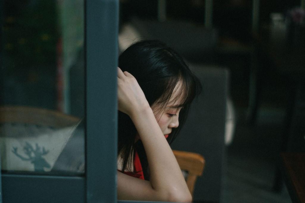 Druchschlafstörungen haben einen grosen Einfluss auf unsere Lebensqualität. Oft sind wir tagsüber müde und abgekämpft